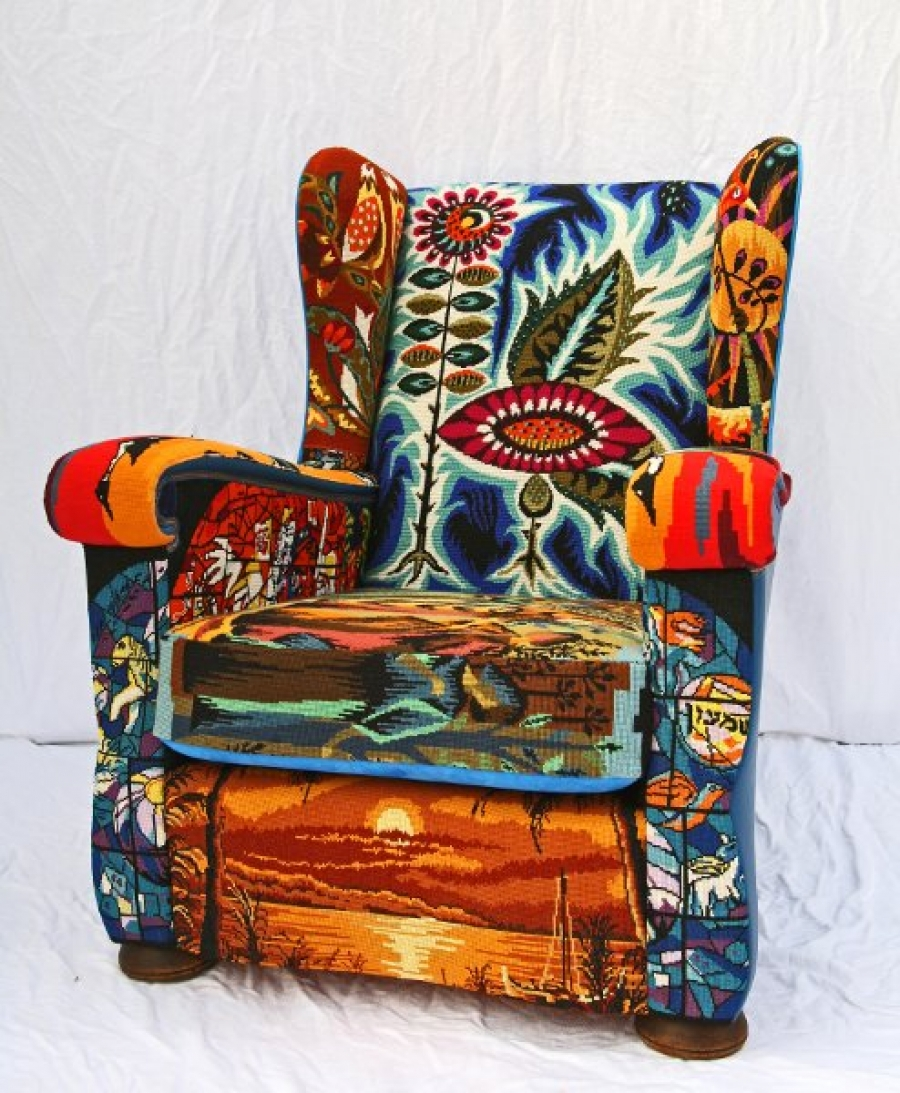 QRAY EmBroidery Art Arm Chair